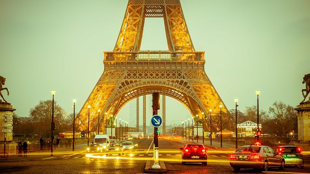 eiffel-tower-1156146__340